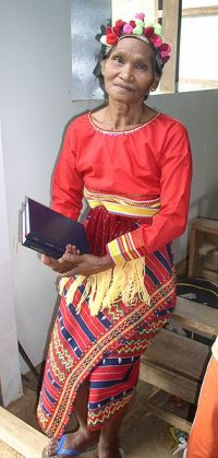 285px-Isnag_Woman_Traditional_Attire