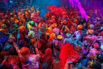 Burst-of-Red-Holi-India (1)